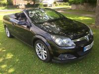 2006 VAUXHALL ASTRA TWINPORT CONVERTIBLE. 113000 MILES ON THE CLOCK. MOT TILL APRIL 2018