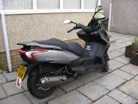 KYMCO DOWNTOWN 125 MOTORBIKE / SCOOTER