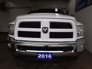 2016 Ram 2500 SLT OUTDOORSMAN 4X4 CREW CAB *HEMI* 5.7L Kitchener / Waterloo Kitchener Area image 10