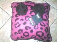 FOOT CUSHION WITH HOT WATER BOTTLE, HEATHCOTE & IVORY GIFT SET, BOTH NEW, GREAT CHRISTMAS PRESENTS