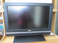 """LG 26"""" HD TV - with remote but no built in freeview"""
