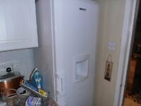 fridge freezer and gas cooker for sale