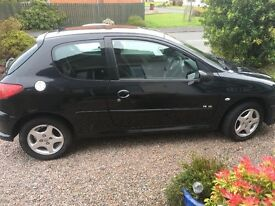 BLACK PEUGEOT VERVE 206/ALLOYS/FULL MOT FOR 1 YEAR/ LOW MILEAGE 2006/IDEAL FIRST CAR!