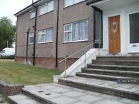 2 bedroom flat in Uvedale Road, Enfield, EN2 (2 bed)