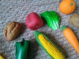 Children's pretend fruit and veg With shopping bag 13 pieces Shopping role play