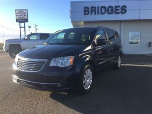 2015 Chrysler Town & Country Touring**pwr sliding doors/pwr hatc