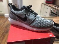Mens Nike Roshe trainers size 9 Grey black & white only worn once £100 new