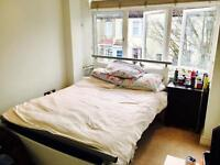 SPACIOUS DOUBLE BEDROOM IN SOUGHT AFTER APOSTLES - AMAZING TRANSPORT LINKS