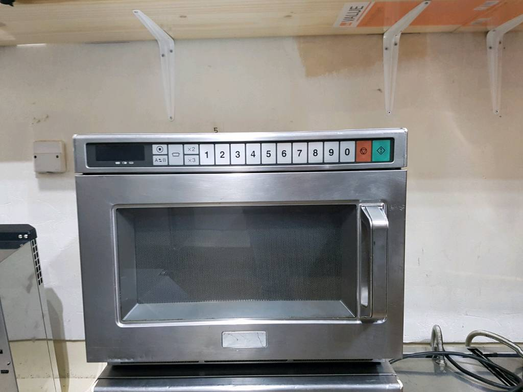 commercial panasonic microwave ne1853bp | in Blackpool
