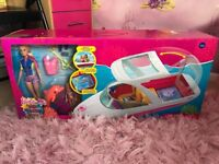 Barbie boat with dolls new