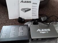 Drum Yamaha R100 Reverb processeor and Alesis Trigger I0