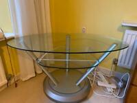TV stand in plate glass and chrome