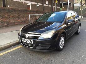 Vauxhall Astra 05REG 1.4cc full service history and all previous moTs