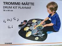 Toy electronic drum set