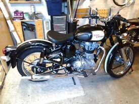 Royal Enfield 500 drives classic...... Immaculate !