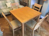 Morris Extendable Oak Dining Table