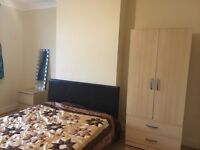 Very Bright & Airy Spacious Double Room