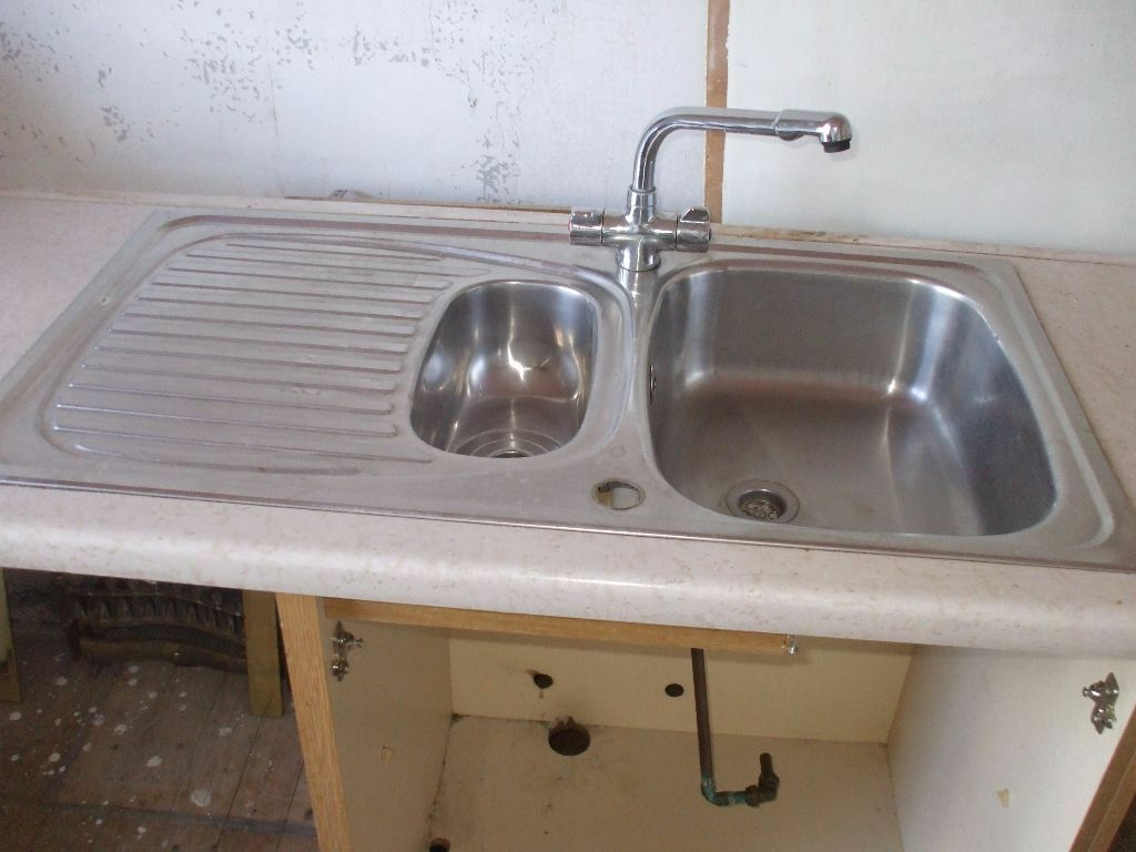 Stainless steel kitchen sink very good condition in for Very small kitchen sinks