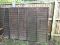 2 5ft fence panels