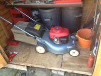 Honda izy self propelled lawn mower