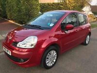 RENAULT GRAND MODUS AUTOMATIC 2010 WITH VERY LOW MILES