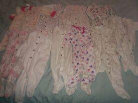 10 Baby Sleep Suits