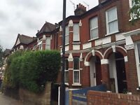 1 Bedroom Flat In Tottenham, N15, Local to Seven Sisters, Rear Garden