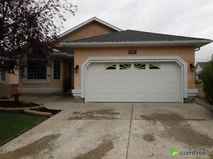 $595,000 - Bungalow for sale in Okotoks