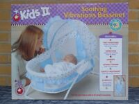 (346) Kids II Blue Soothing Vibrations Bassinet / Baby Bassinet