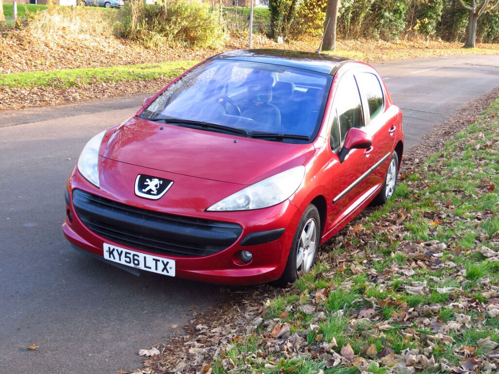 peugeot 207 se with panoramic glass roof and alloy wheels for sale