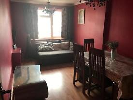 One large double room (ground floor) to rent in SpringField
