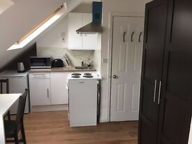 *** ALL BILLS INCLUDED *** RECENTLY REFURBISHED FURNISHED STUDIO *** RAYNES PARK ***