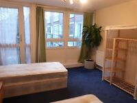 Bed in Amazing room to share ++ Sofa area ++ 10min walk from Oxford circus ++