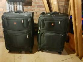 Large travel suitcases (check-in luggage)