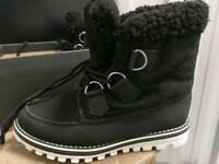 Female Boots size 4