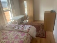 Huge Double Room personal toilet near Upton Part Station