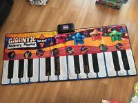 Gigantic Keyboard Playmet