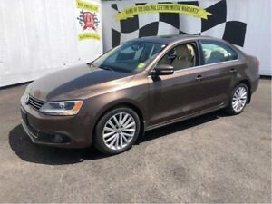 2011 Volkswagen Jetta Highline, Manual, Sunroof, Heated Seats, D