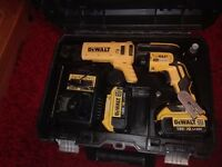 Dewalt DCF620M1K 18v XR Li-Ion Brushless Collated Drywall Screwgun