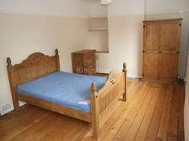 6 bedroom house in Senghenydd Road, Cathays, Cardiff, CF24 4AG