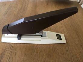 Rexel Giant heavy duty manual stapler