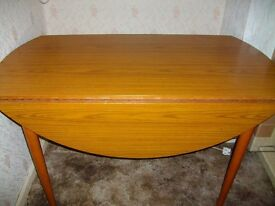 Shreiber dining table/6 chairs