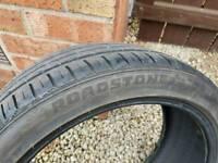 Roadstone part worn tyre 225 40 R18 N Fera Su4