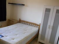 SPECIAL OFFER - Lovely Double Room Available Now - Only one stop to Bank