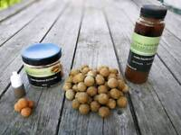 Carp fishing boilies, popups and glug