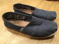 Ladies TOMS Canvas Navy Classics, size UK 5/EU 37.5
