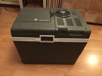 MR-148 Family Size Thermoelectric Cooler & Warmer