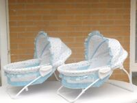 (356) Kids II Soothing Vibrations Bassinets for Twins