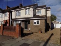 Immaculate 4 bed 4 bathroom Large Detached House close to Train Station and Hospital - Available Now