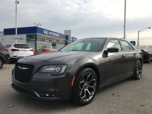 2016 Chrysler 300 300S/LEATHER,PANORAMIC ROOF,NAVI
